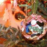 25. Nocování pod vánočním stromečkem